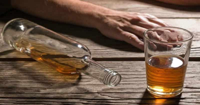 alcolismo: dipendenza da alcol