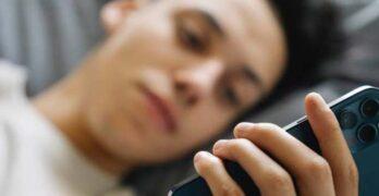 scrolling smartphone - dipendenza